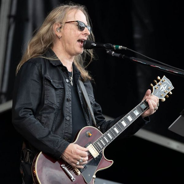 Jerry Cantrell Shares His New Song 'Atone' With Music Video