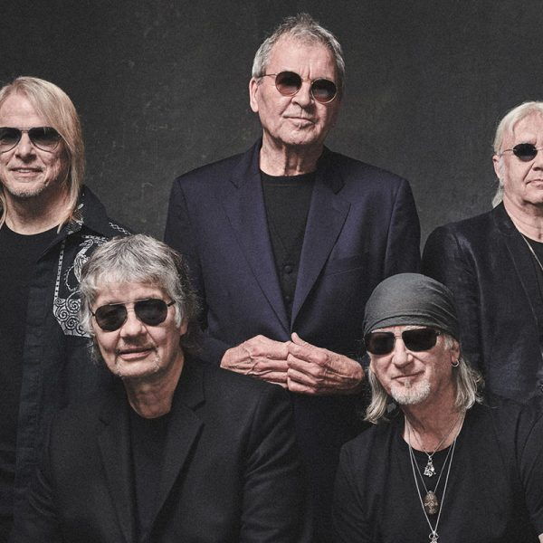 Is Deep Purple's Hit 'Smoke On The Water' Based On Real Life?
