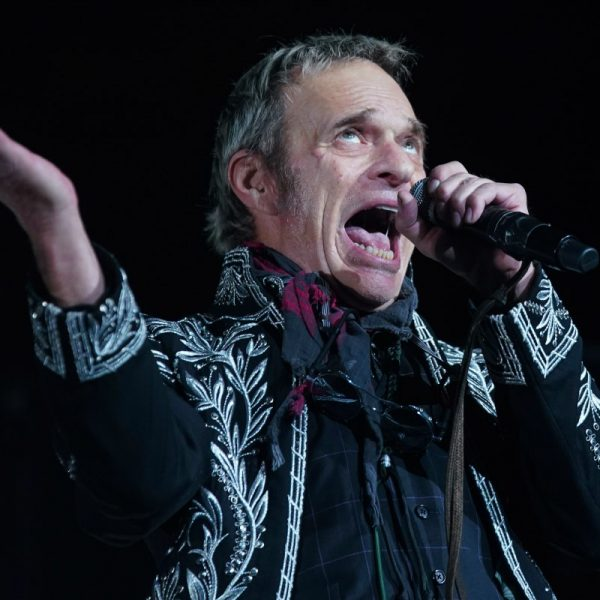 The Reason David Lee Roth Decided To Leave Van Halen